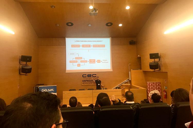 Jornadas 360 Encuentros Profesionales Marketing Digital Cádiz ponencia Luis Villanueva funcionamiento motor de búsqueda Google