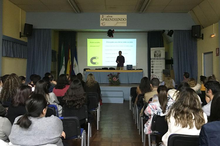 Taller planificación estratégica negocios online Instituto Andrés Benítez Jerez finalidad redes sociales