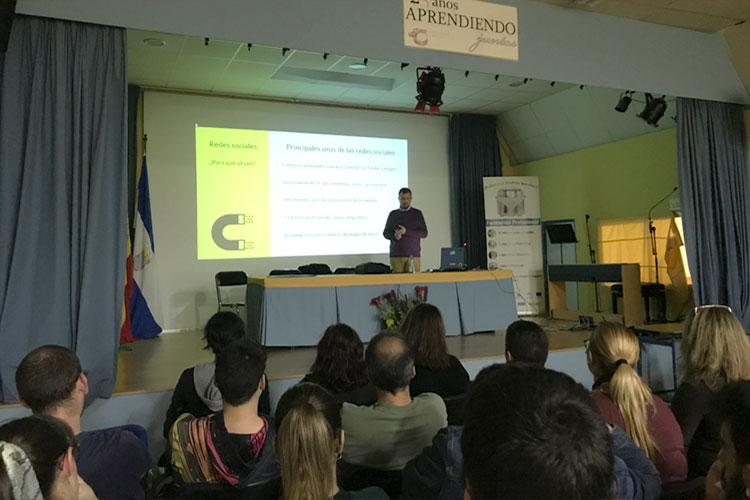Taller planificación estratégica negocios online Instituto Andrés Benítez Jerez utilidades redes sociales
